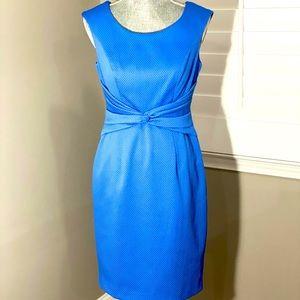Kay Unger periwinkle blue sleeveless pencil dress